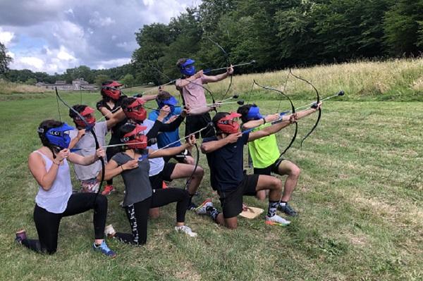 L'Archery Game est une activité loisir qui se pratique en équipe à l'occasion d'un team building d'entreprise, en pleine nature